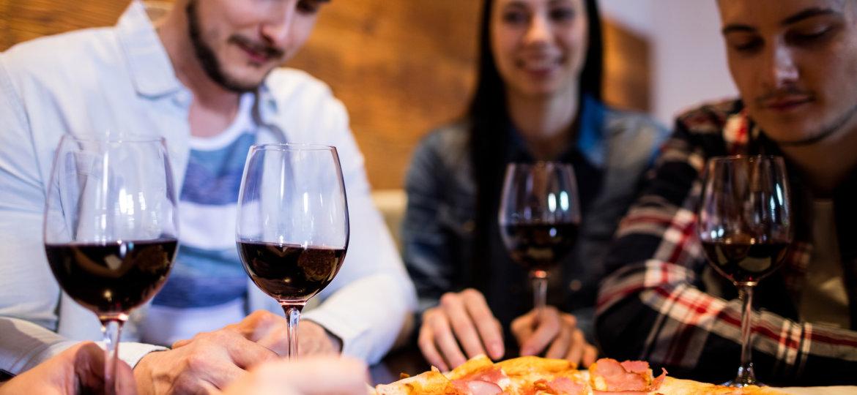 Dicas de harmonização escolha o vinho ideal para acompanhar sua pizza
